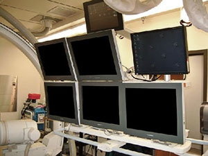 Oblique frontal view of 6 Modalixx G202MG LCDs on Siemens Bi-Cor cath lab